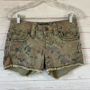 Miss Me Cargo Floral Stretch Shorts Frayed 27x2